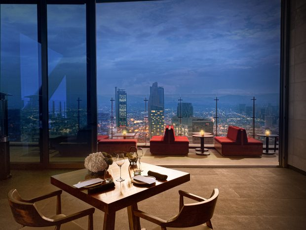 private-dining-experience-at-cityzen-bar